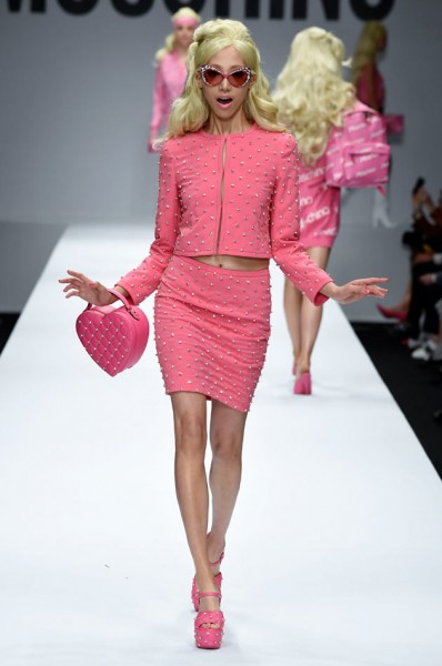 moschino verao barbie