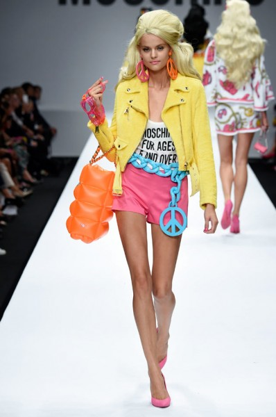tendencia barbie moschino