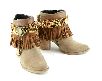 bijoux and belts for boots 15