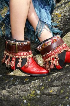 bijoux and belts for boots 18
