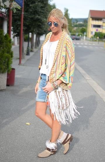 street style t shirt.jpg 10