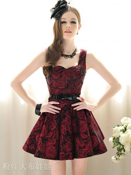 vestido com estampa de rosas vermelhas