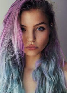 cabelo roxo e azul
